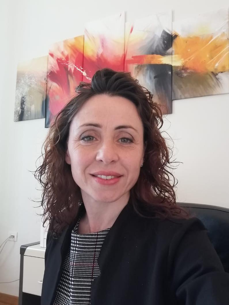 Elisa Abrans